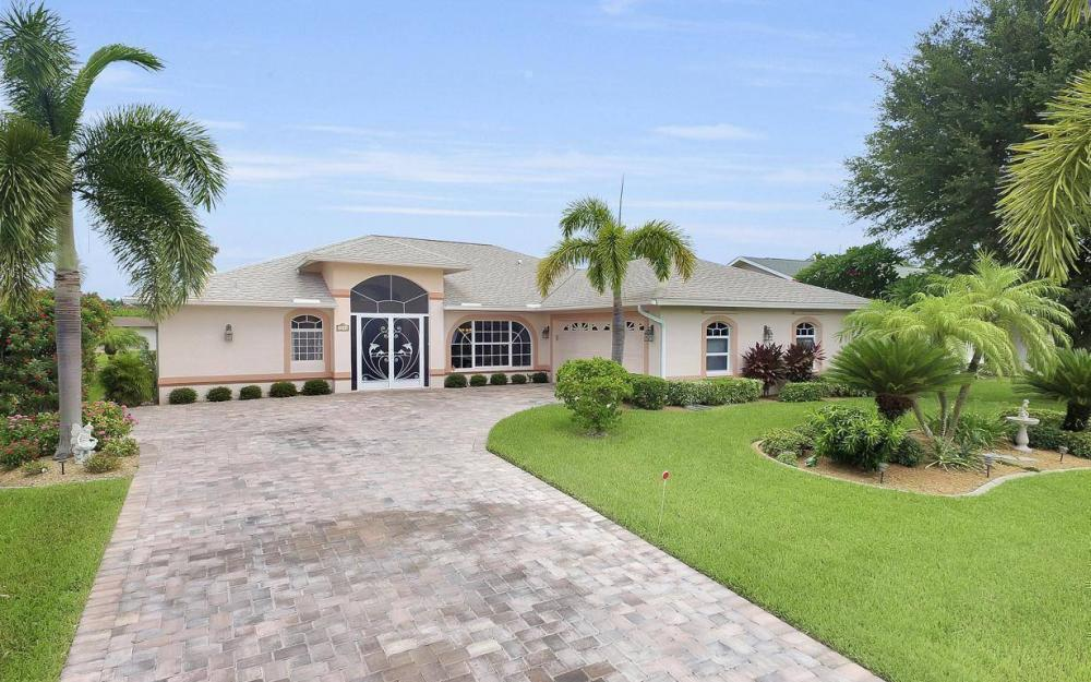 5034 Saxony Ct, Cape Coral - Home For Sale 1222654673