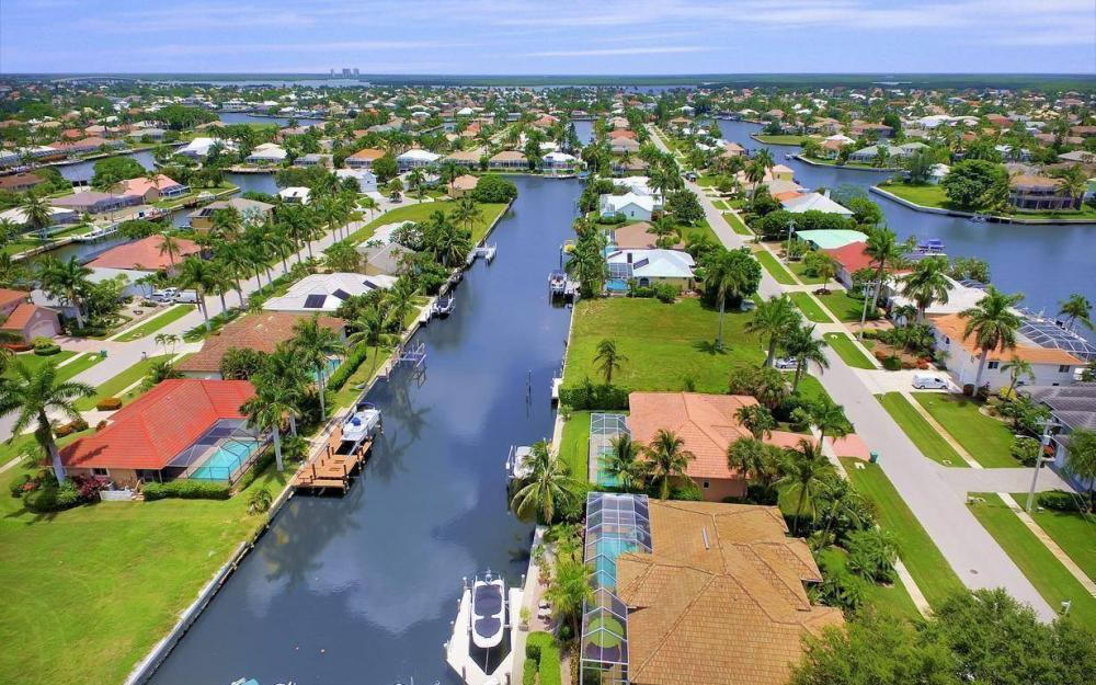 16 Gulfport Ct, Marco Island - Home For Sale 1607623233