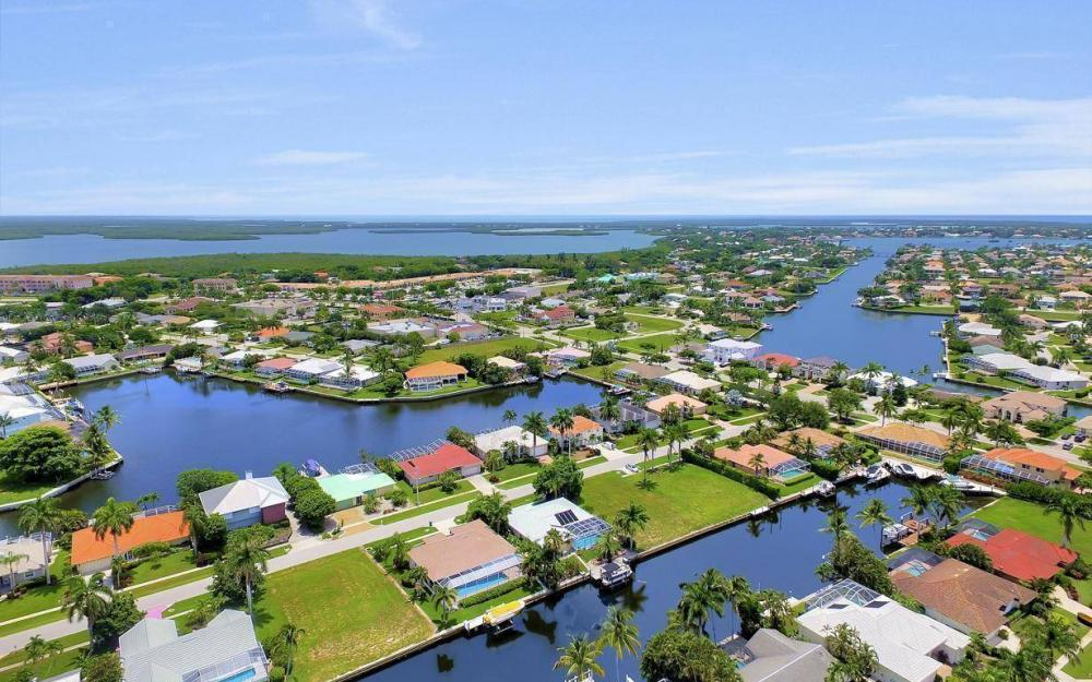 16 Gulfport Ct, Marco Island - Home For Sale 24914505
