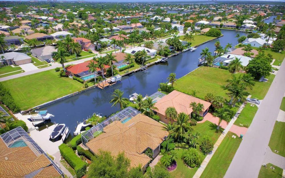 16 Gulfport Ct, Marco Island - Home For Sale 1377653859