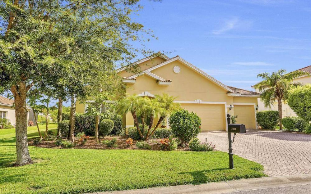 13494 Little Gem Cir, Fort Myers - Home For Sale 1743111880