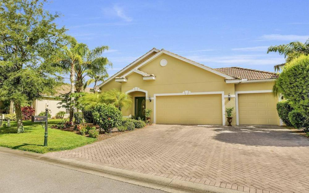 13494 Little Gem Cir, Fort Myers - Home For Sale 93892762