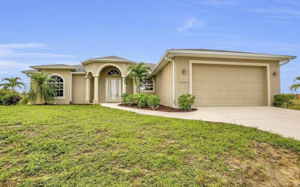 4310 NW 32nd St, Cape Coral - Home For Sale 544839398