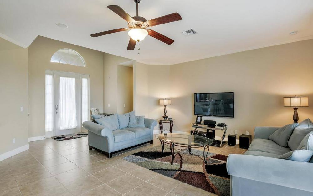 4310 NW 32nd St, Cape Coral - Home For Sale 1041368847