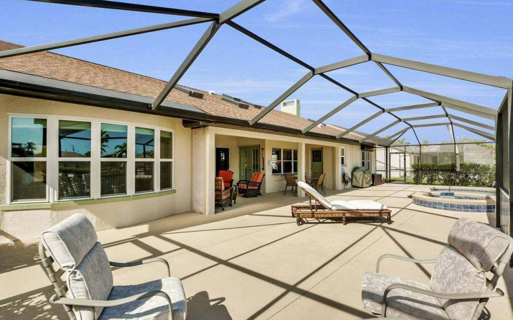 607 SW 57th St, Cape Coral - Home For Sale 945427899