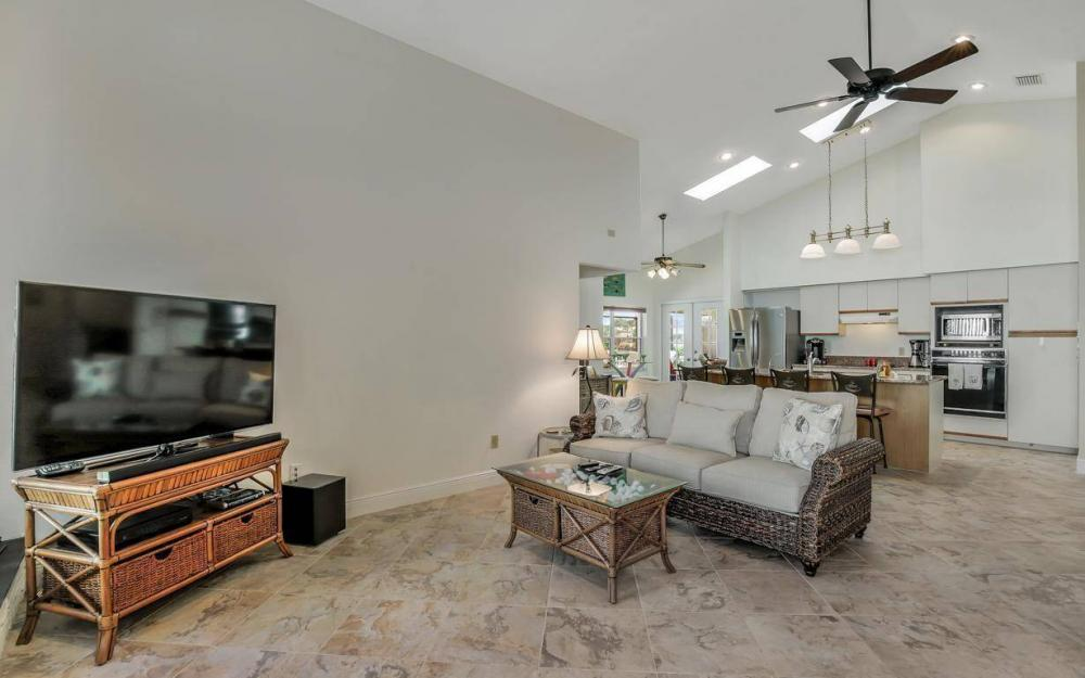 607 SW 57th St, Cape Coral - Home For Sale 830424815