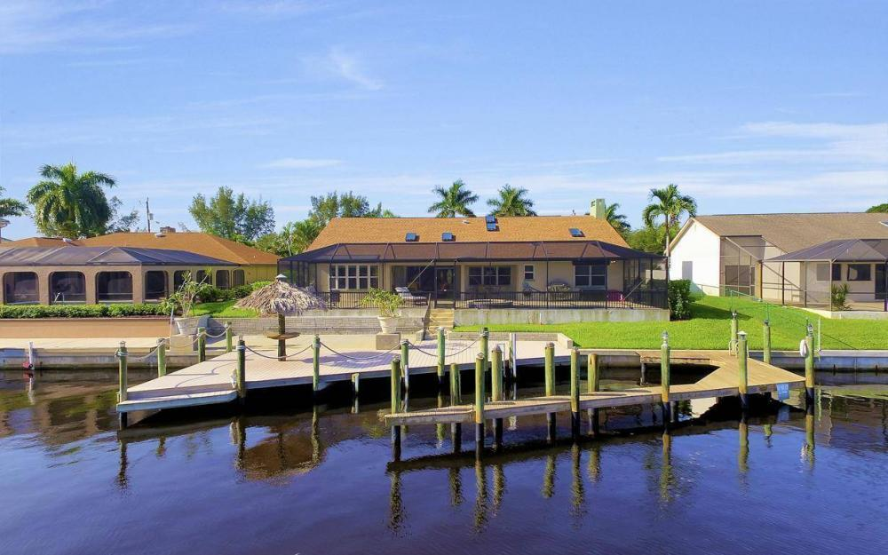 607 SW 57th St, Cape Coral - Home For Sale 592740162
