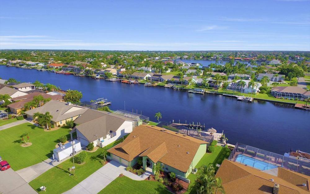 607 SW 57th St, Cape Coral - Home For Sale 820059965