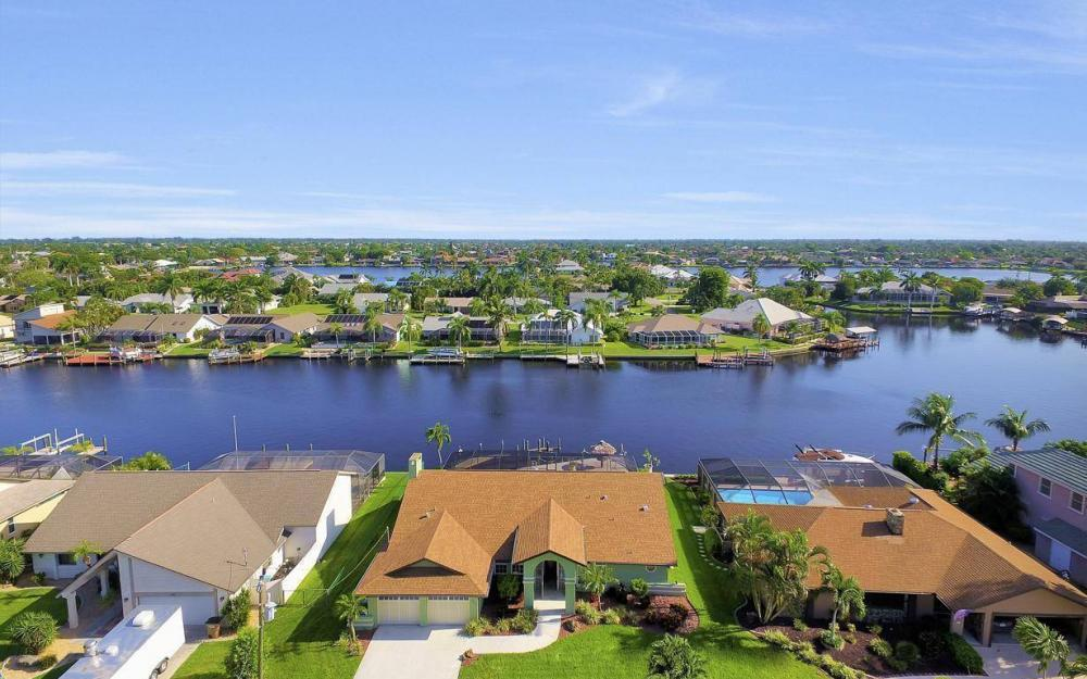 607 SW 57th St, Cape Coral - Home For Sale 441057887