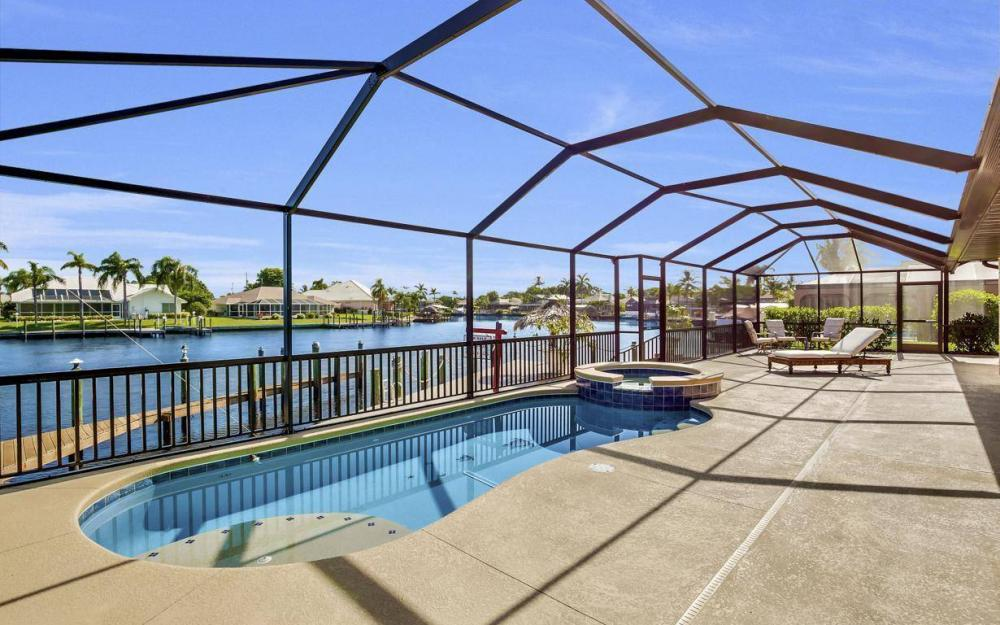 607 SW 57th St, Cape Coral - Home For Sale 1312380049