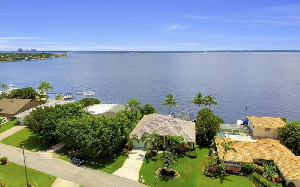 2921 SE 22nd Pl, Cape Coral - Home For Sale 1429209182