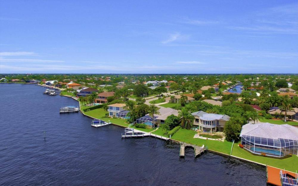 2921 SE 22nd Pl, Cape Coral - Home For Sale 1042088564