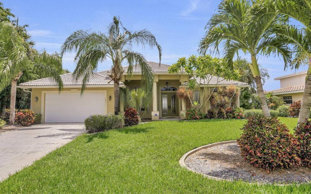 2921 SE 22nd Pl, Cape Coral - Home For Sale 1703968489