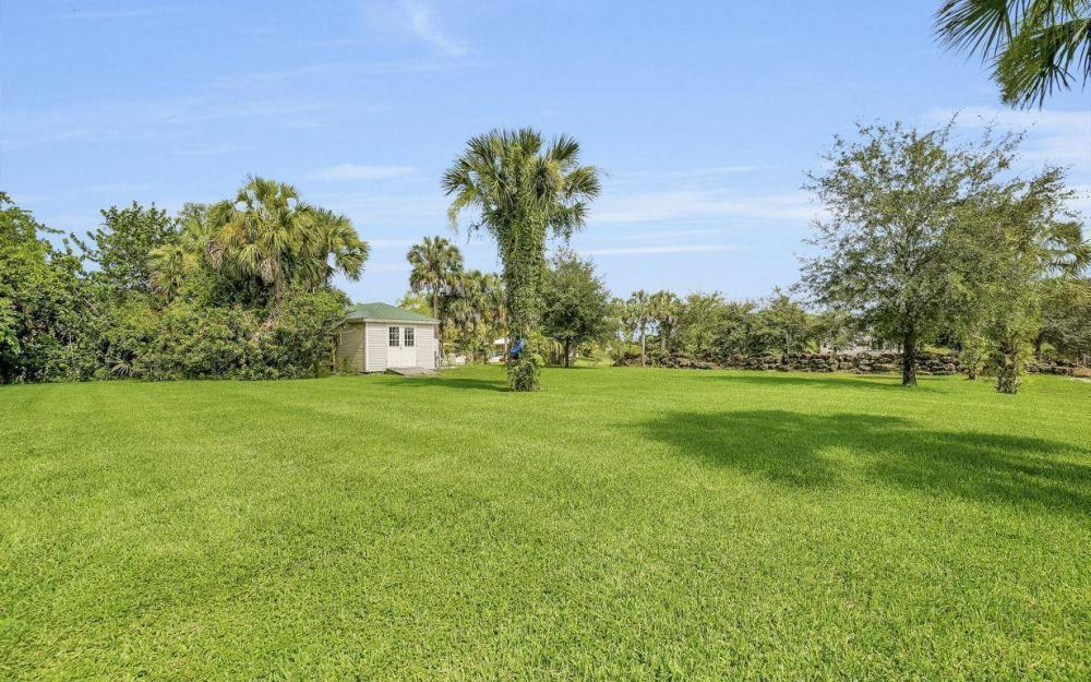 311 16th Ave NE, Naples - Home For Sale 450083208