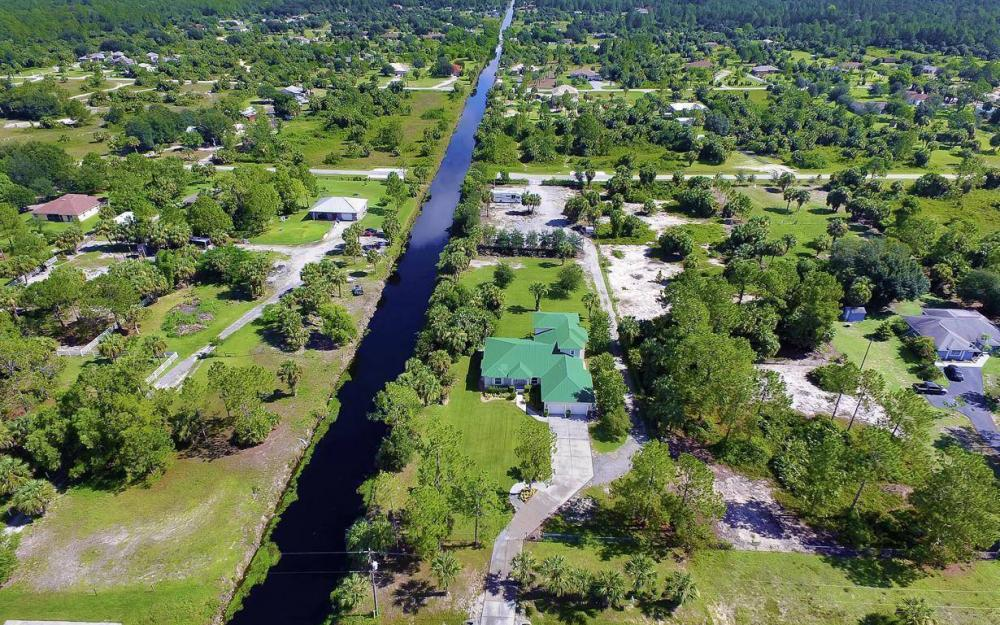 311 16th Ave NE, Naples - Home For Sale 347814765