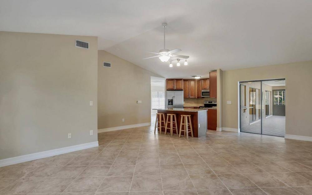1019 SW 21st Ln, Cape Coral - Home For Sale 1728318311