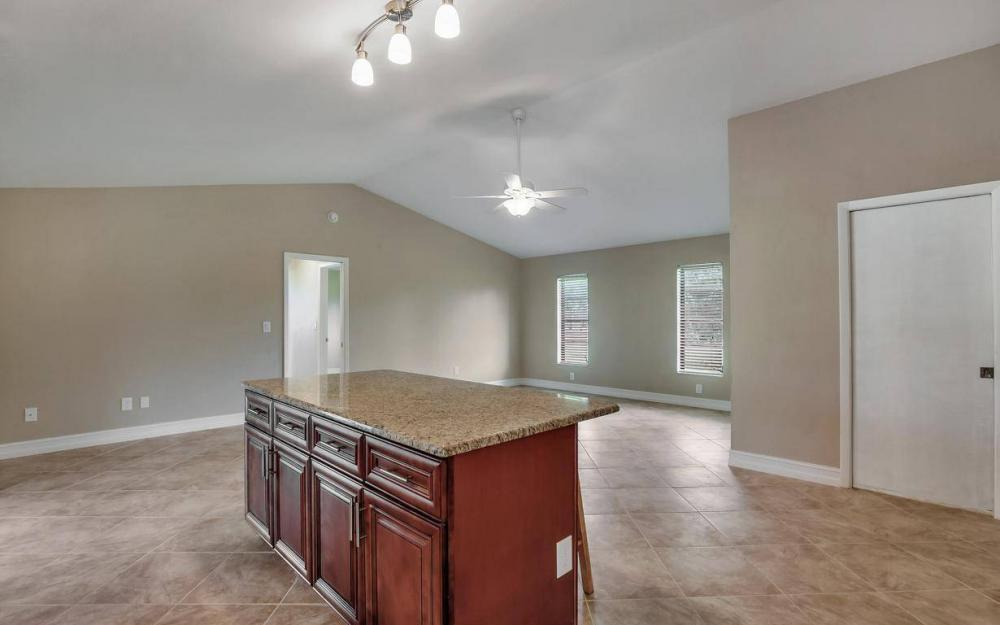 1019 SW 21st Ln, Cape Coral - Home For Sale 673690577