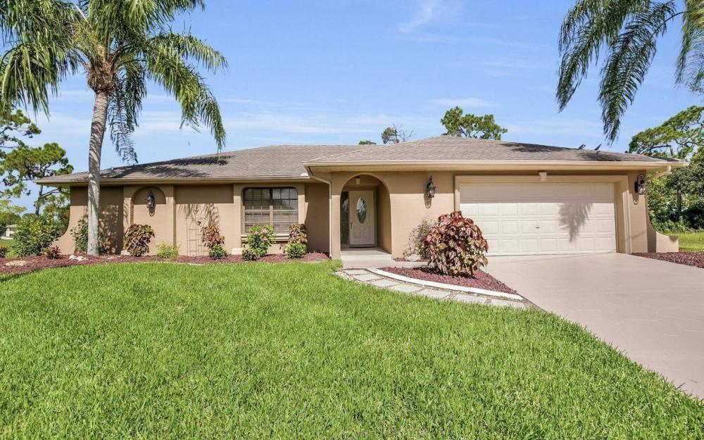1019 SW 21st Ln, Cape Coral - Home For Sale 698028856