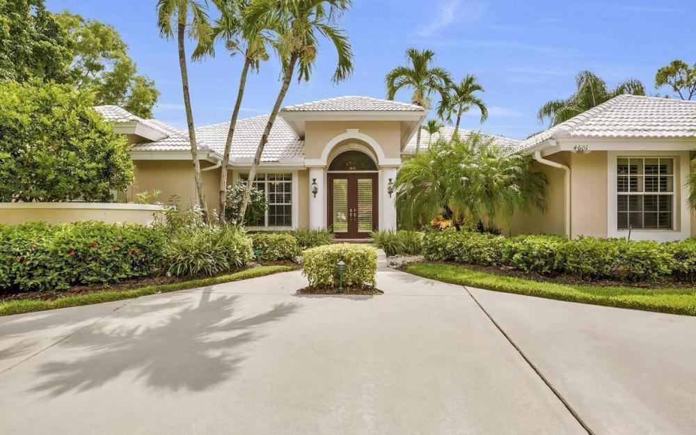 4601 Oak Leaf Dr, Naples - Home For Sale 1803799933
