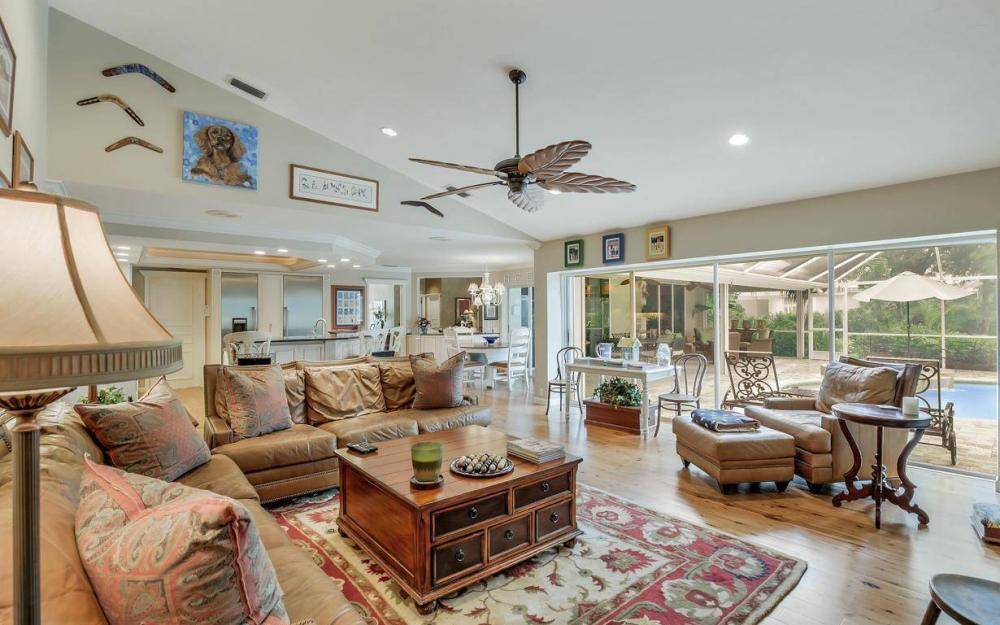 4601 Oak Leaf Dr, Naples - Home For Sale 721221102
