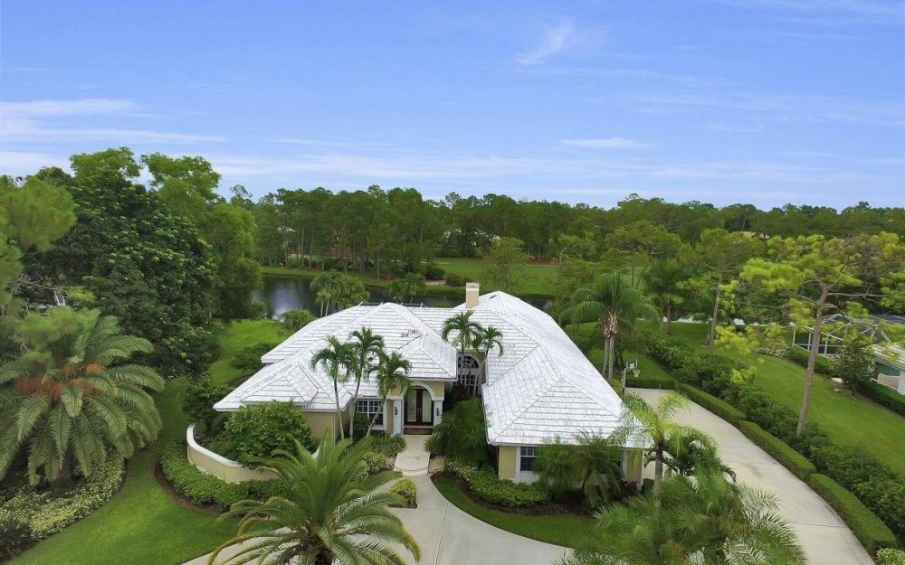 4601 Oak Leaf Dr, Naples - Home For Sale 1838590840