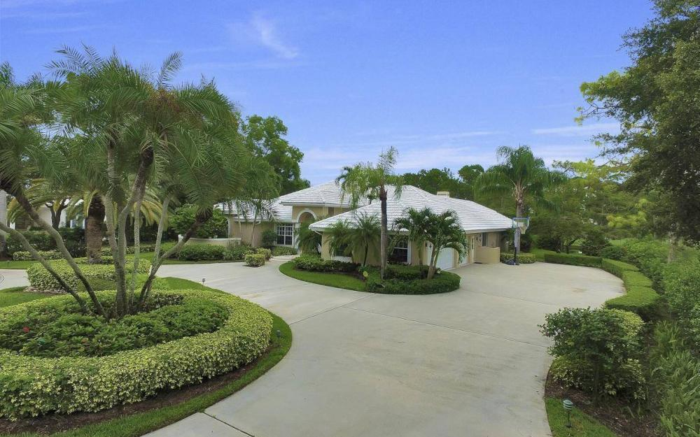 4601 Oak Leaf Dr, Naples - Home For Sale 588540423