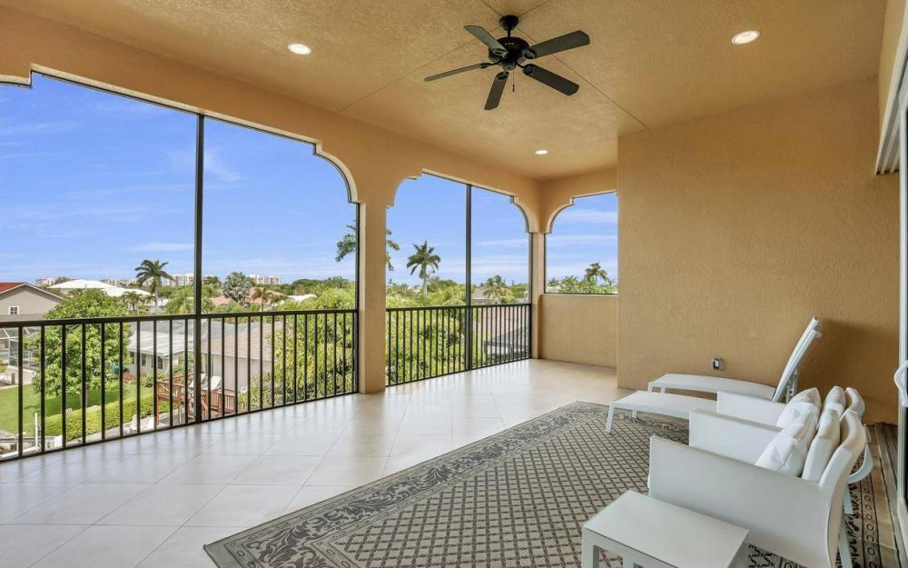 1026 Bald Eagle Dr, Marco Island - Home For Sale 70439818