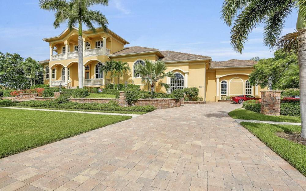1026 Bald Eagle Dr, Marco Island - Home For Sale 2092994830
