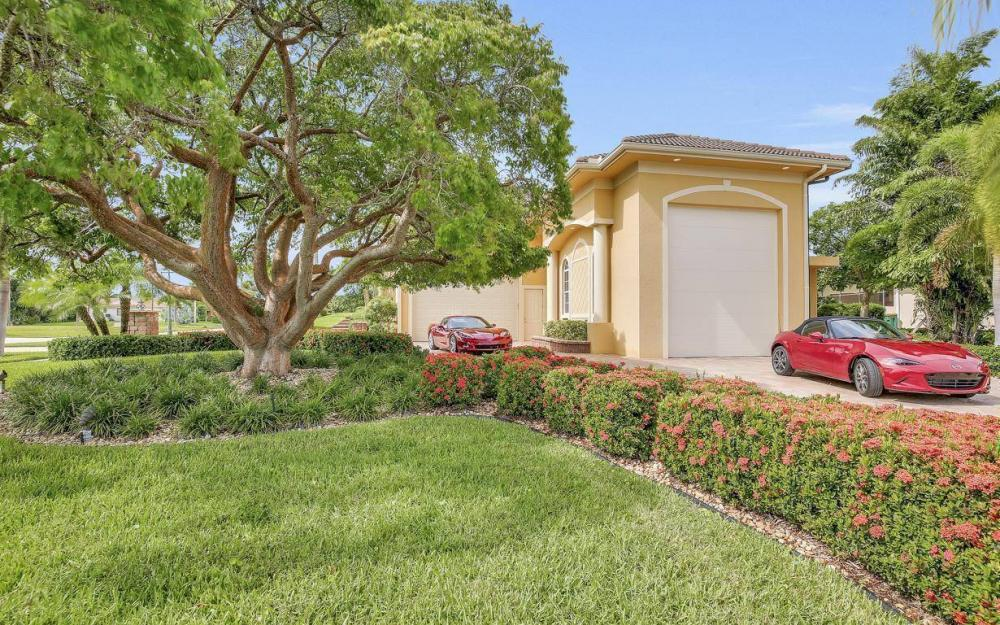 1026 Bald Eagle Dr, Marco Island - Home For Sale 941761842