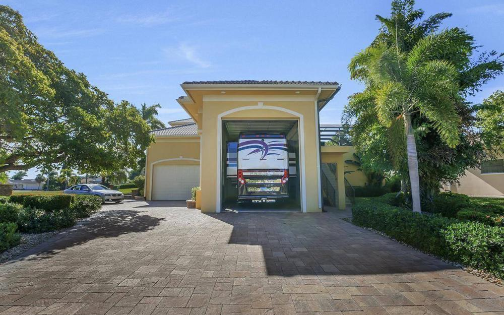 1026 Bald Eagle Dr, Marco Island - Home For Sale 570277242