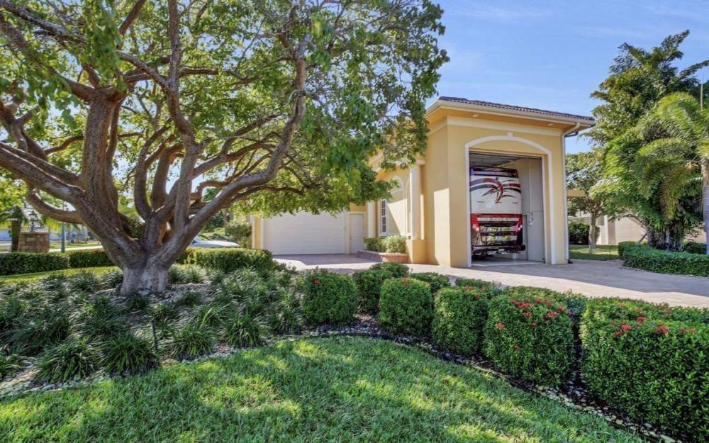 1026 Bald Eagle Dr, Marco Island - Home For Sale 1984285682