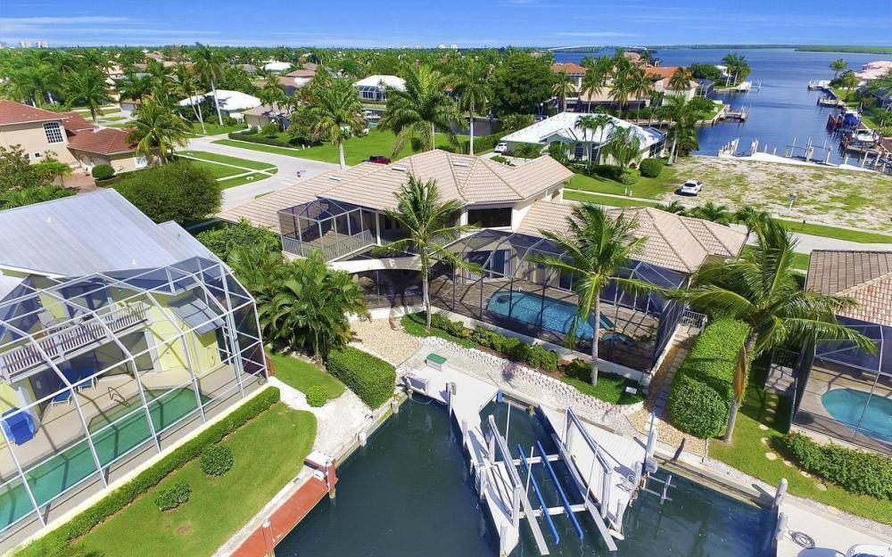 1891 Honduras Ave, Marco Island - Home For Sale 2121846365