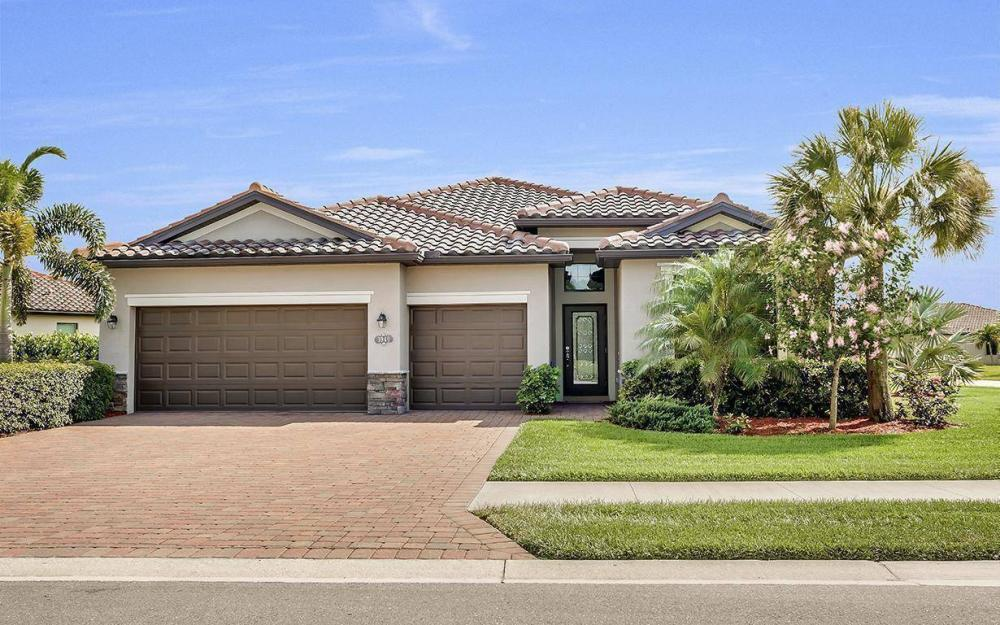 3940 Treasure Cove Cir, Naples - Home For Sale 1818443981