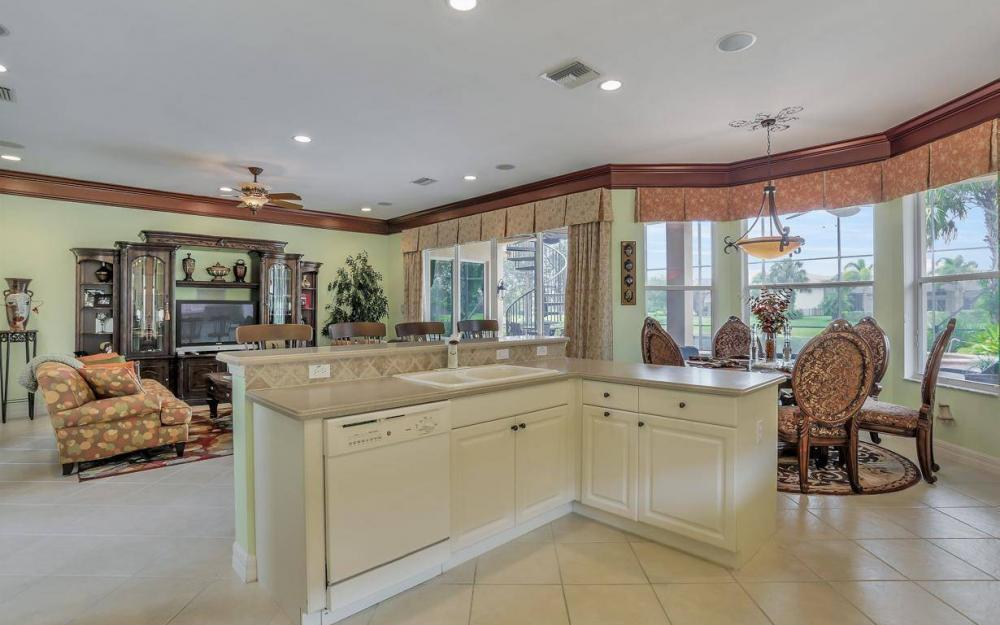 1867 Ivory Cane Pointe, Naples - Home For Sale 62102094
