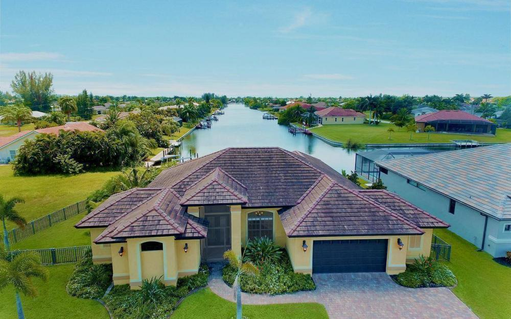 2724 Gleason Pkwy, Cape Coral - Home For Sale 1260843025