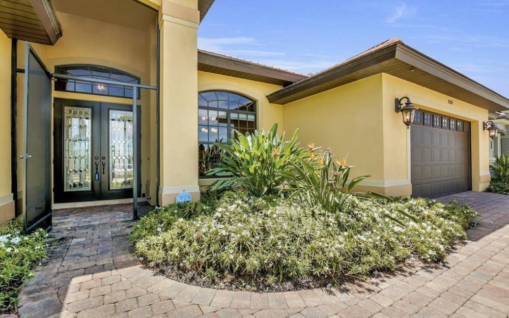 2724 Gleason Pkwy, Cape Coral - Home For Sale 2057323534