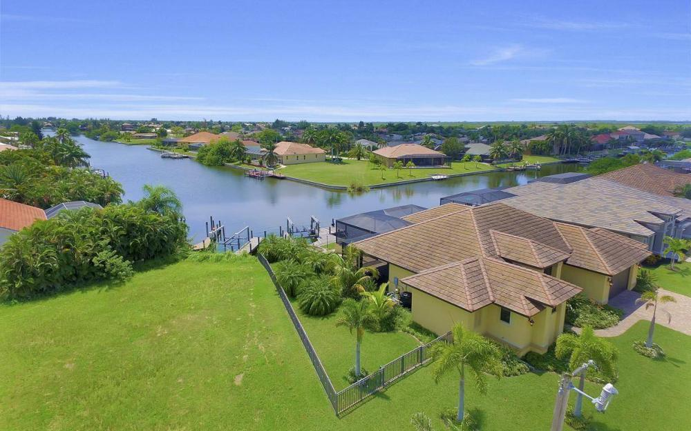 2724 Gleason Pkwy, Cape Coral - Home For Sale 814563807