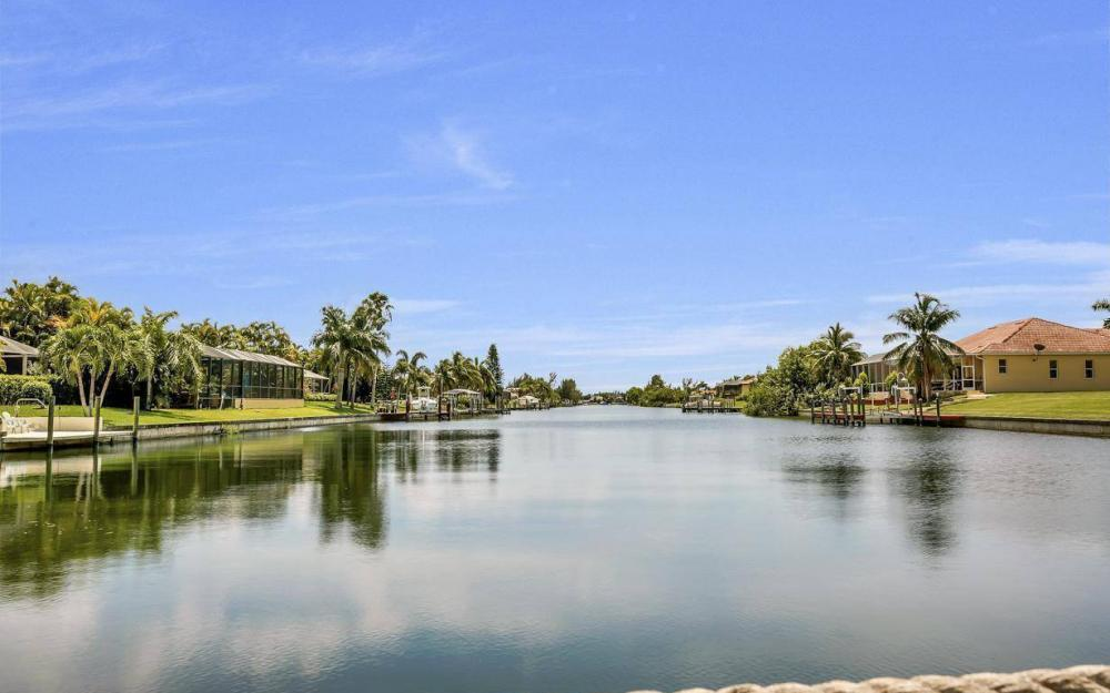 2724 Gleason Pkwy, Cape Coral - Home For Sale 1007059779