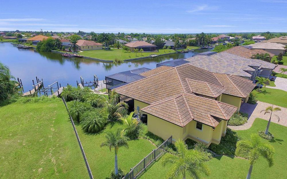 2724 Gleason Pkwy, Cape Coral - Home For Sale 598545573