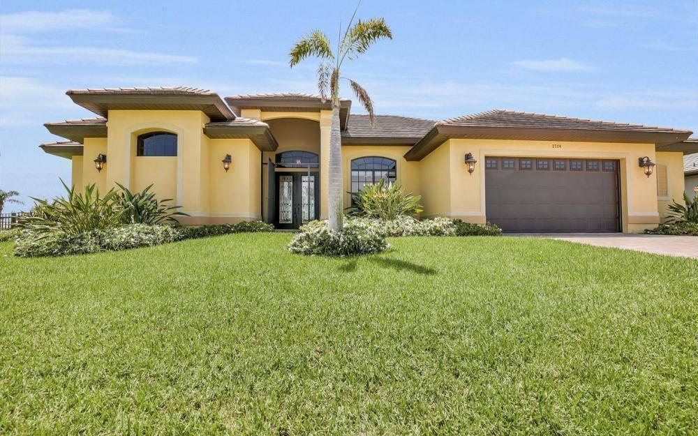 2724 Gleason Pkwy, Cape Coral - Home For Sale 1030121659