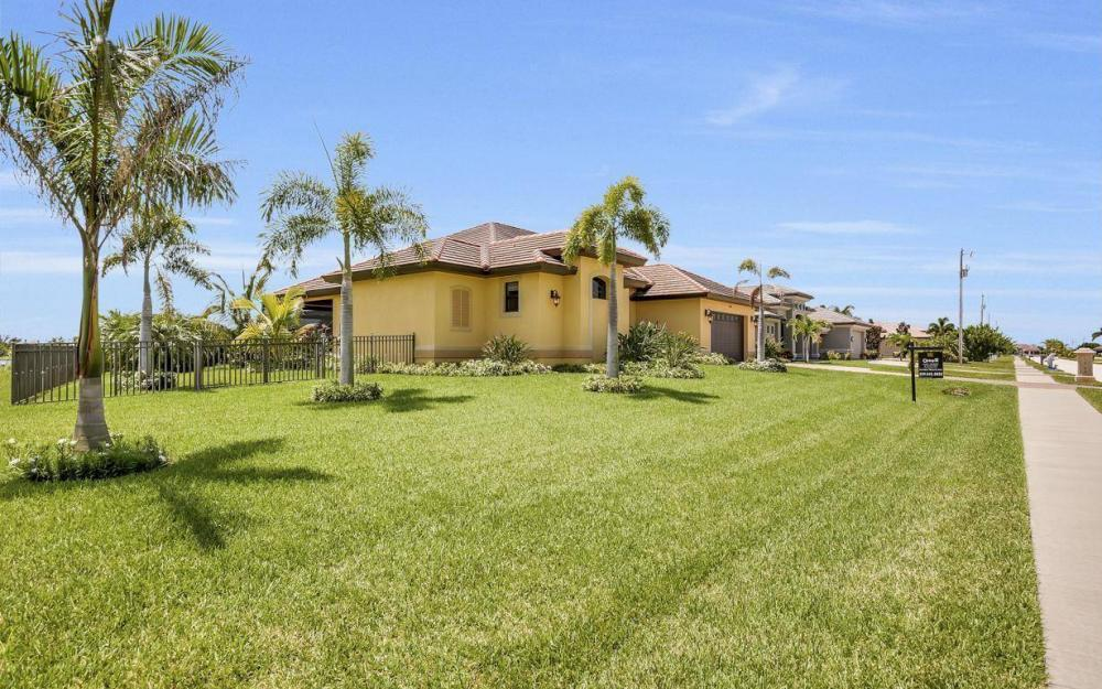 2724 Gleason Pkwy, Cape Coral - Home For Sale 514975676