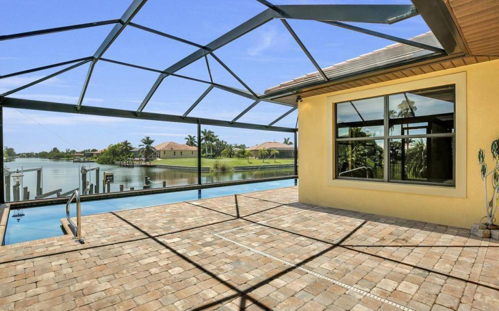 2724 Gleason Pkwy, Cape Coral - Home For Sale 260119953
