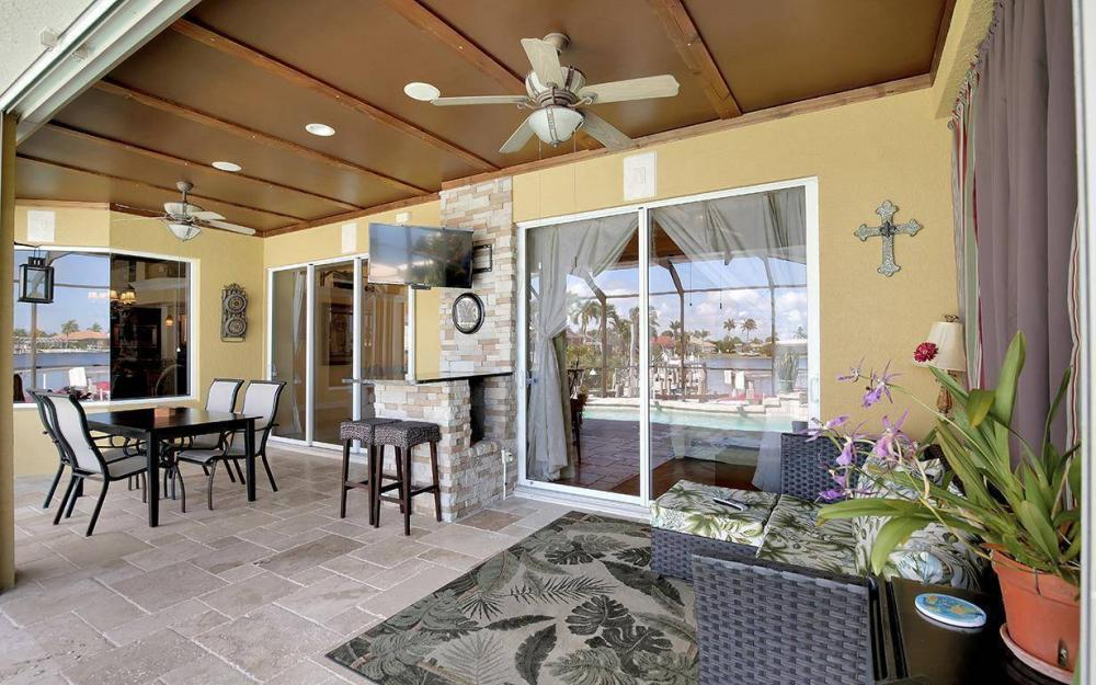1264 Whiteheart Ave, Marco Island - Home For Sale 1049729141