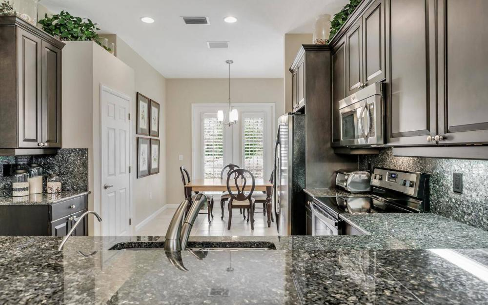 3681 Lakeview Isle Ct, Fort Myers - Home For Sale 1200323327