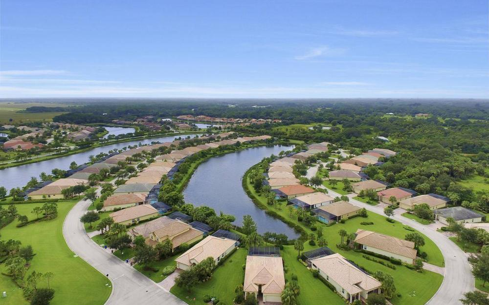 3681 Lakeview Isle Ct, Fort Myers - Home For Sale 248980872