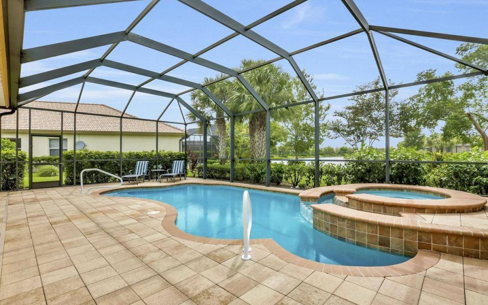 3681 Lakeview Isle Ct, Fort Myers - Home For Sale 653723854