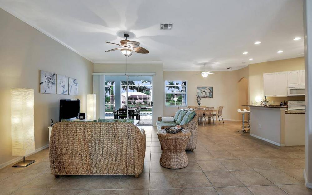 2124 SW 40th Ter, Cape Coral - Home For Sale 1573632711