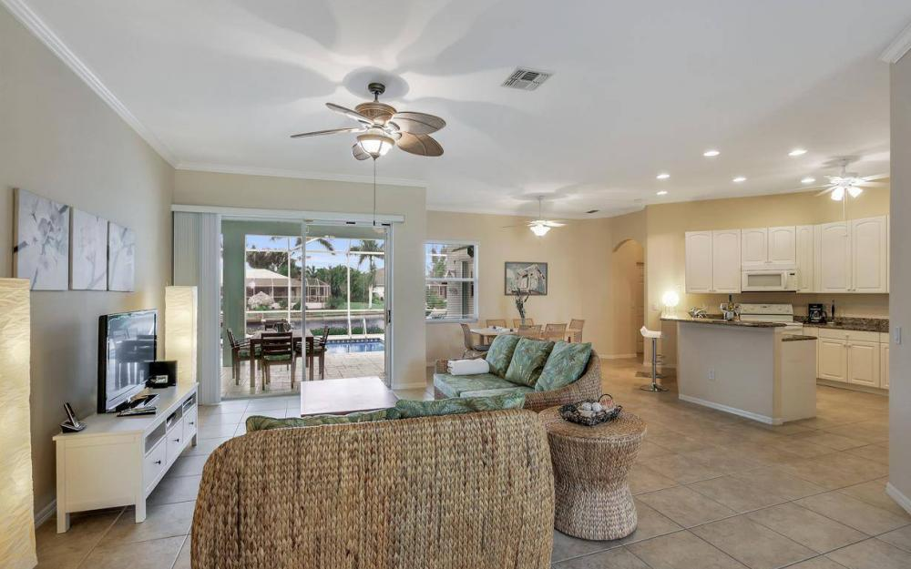 2124 SW 40th Ter, Cape Coral - Home For Sale 878465684