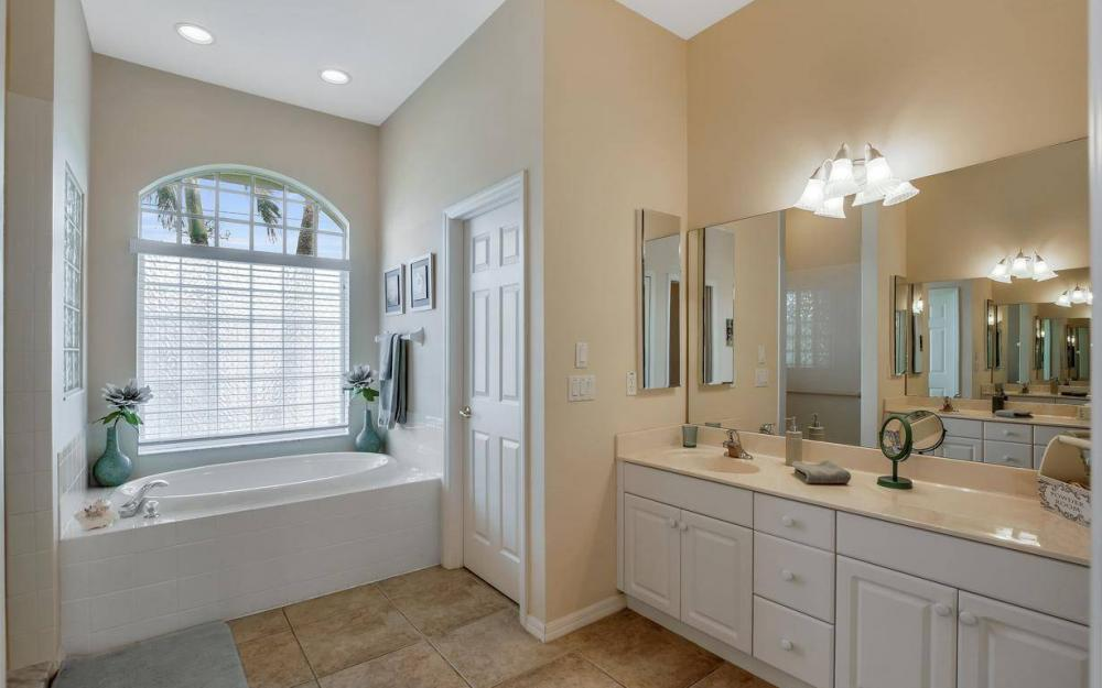 2124 SW 40th Ter, Cape Coral - Home For Sale 344889533