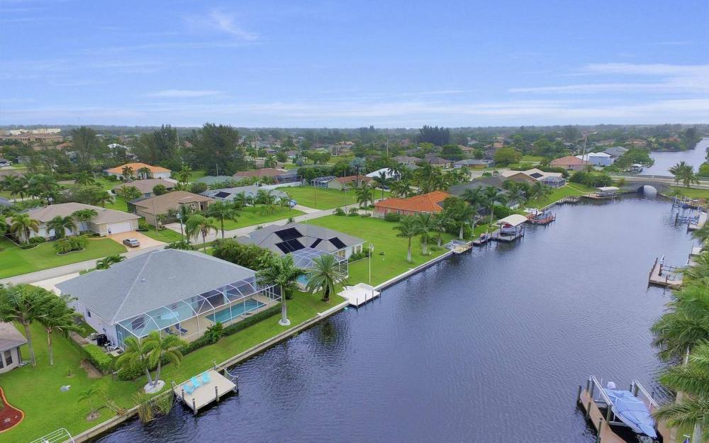 2124 SW 40th Ter, Cape Coral - Home For Sale 1883769464